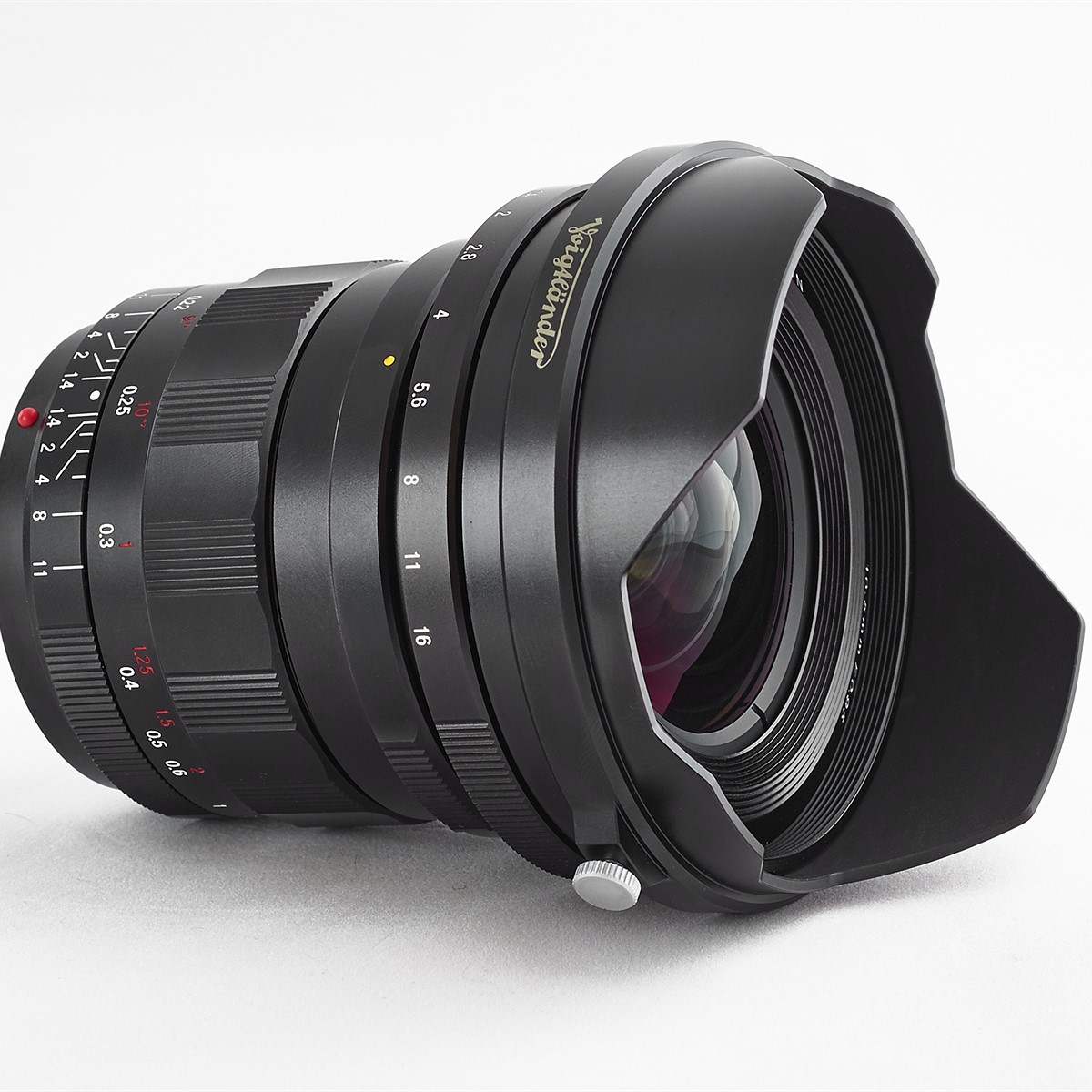 Voigtlander 10.5mm f/0.95 Lens for Micro Four Thirds